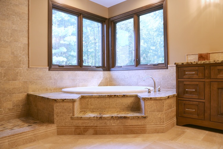 Custom jacuzzi with tiled steps